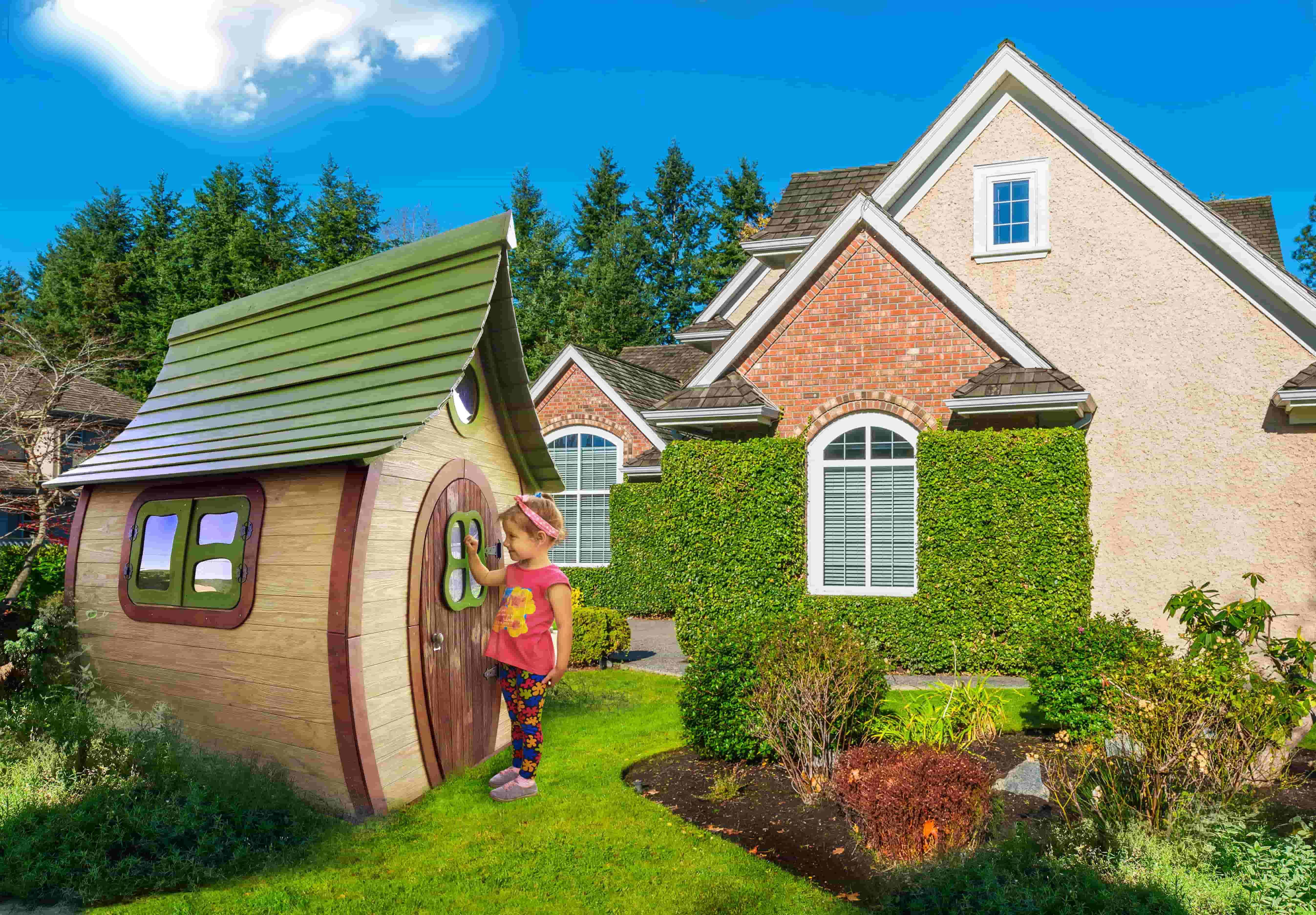 Дитячий дерев'яний будиночок